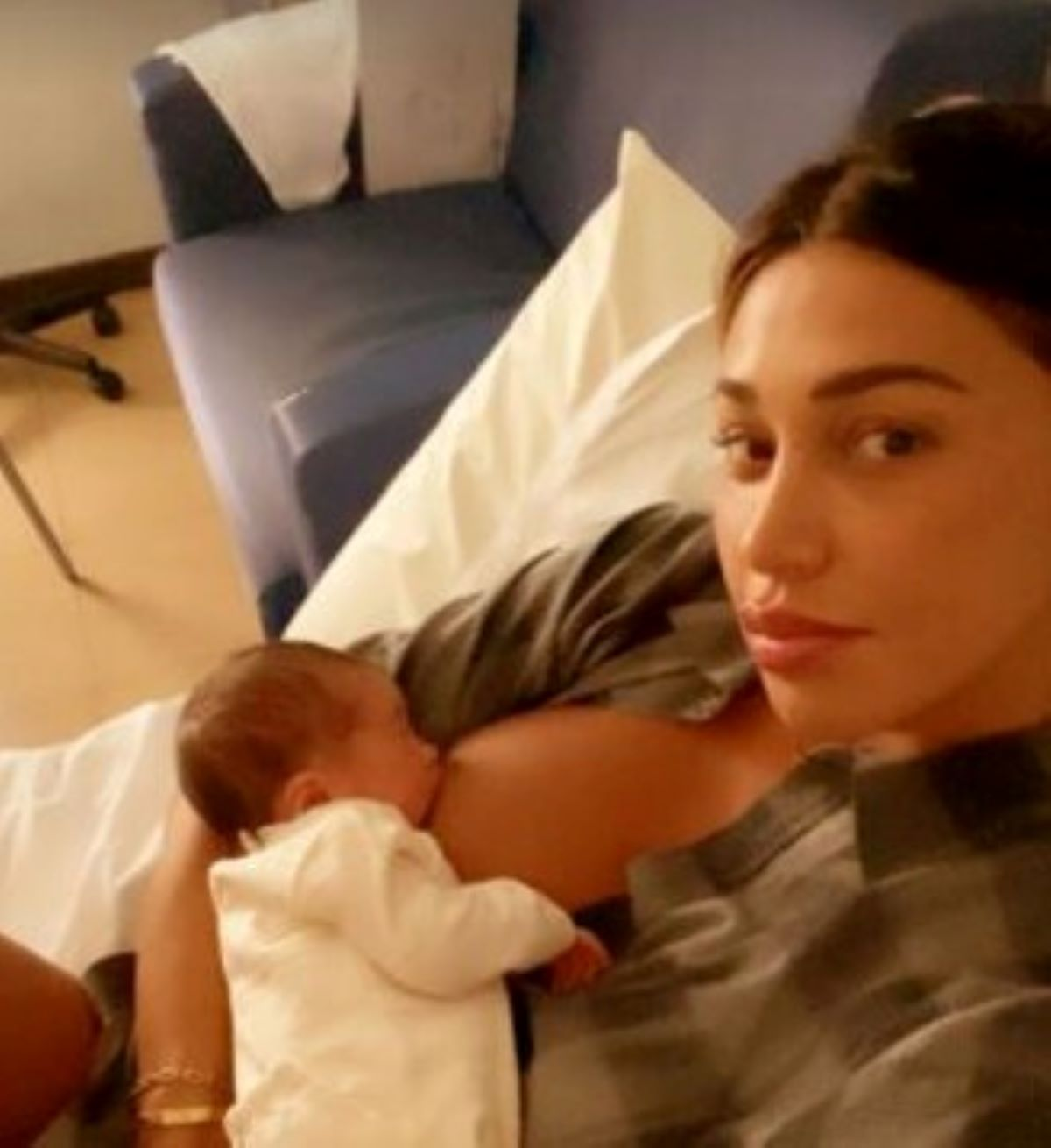 Belen Rodriguez Luna Marì Critiche Intervento Mamma