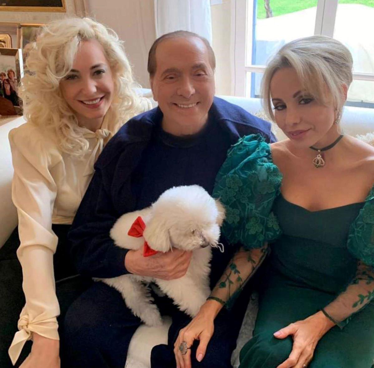 Silvio Berlusconi Preoccupazione Condizioni Salute Foto Letto Irriconoscibile Marta Fascina