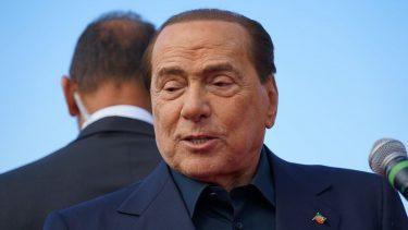Silvio Berlusconi Condizioni Foto Letto Irriconoscibile