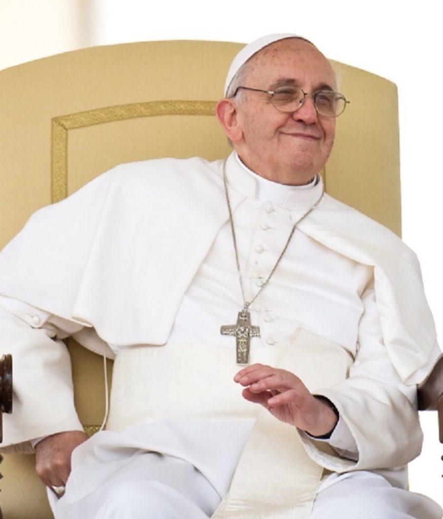 Papa Francesco operazione colon