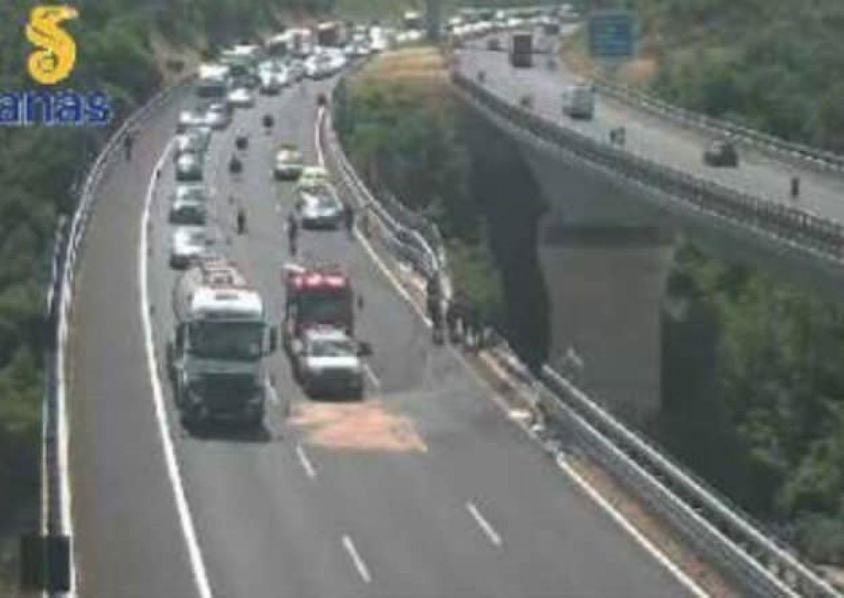 Incidente A2 Salerno Reggio Calabria Camion Precipita Viadotto Due Morti