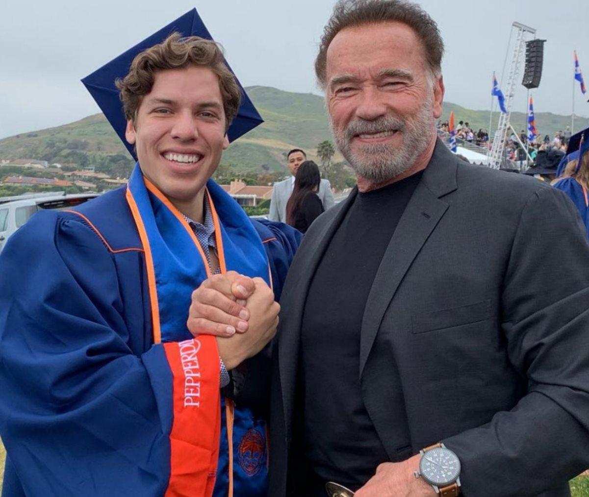 Arnold Schwarzenegger Joseph Baena figlio somiglianza