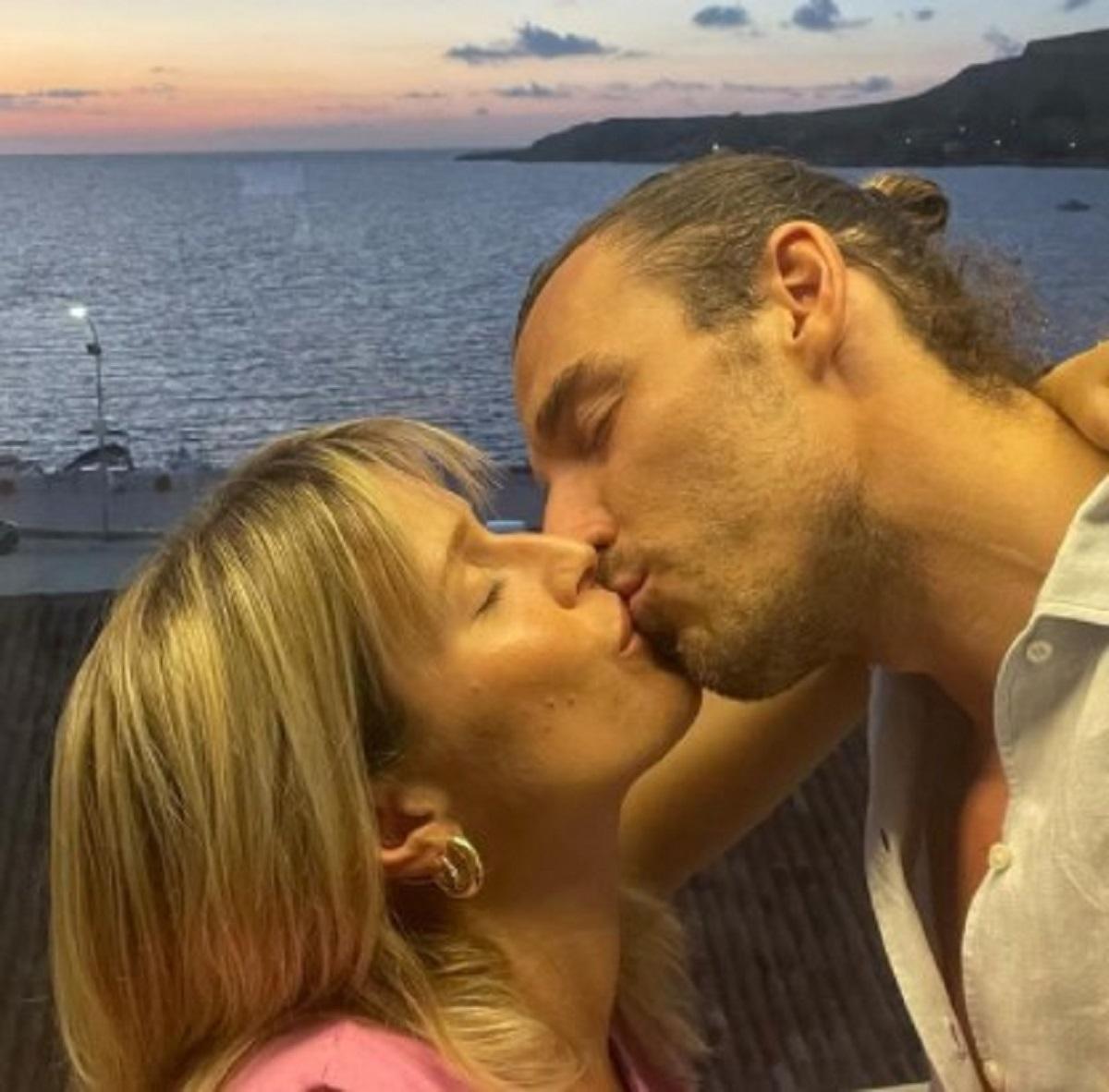 Lorena Cacciatore Federico Marchetti annuncio dolce attesa