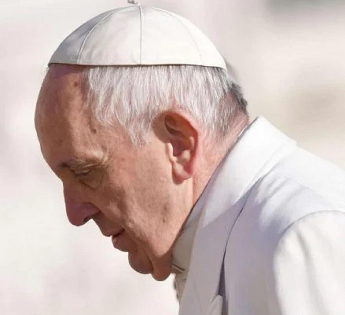 Papa Francesco ricovero notizia condizioni di salute Angelus