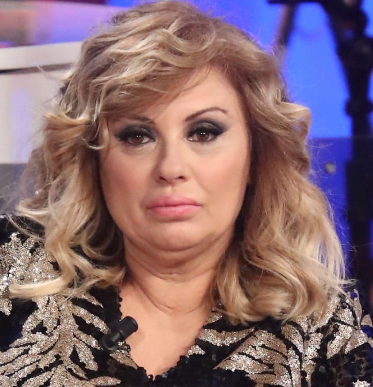 Tina Cipollari Accusa Rifatta Foto Vacanza