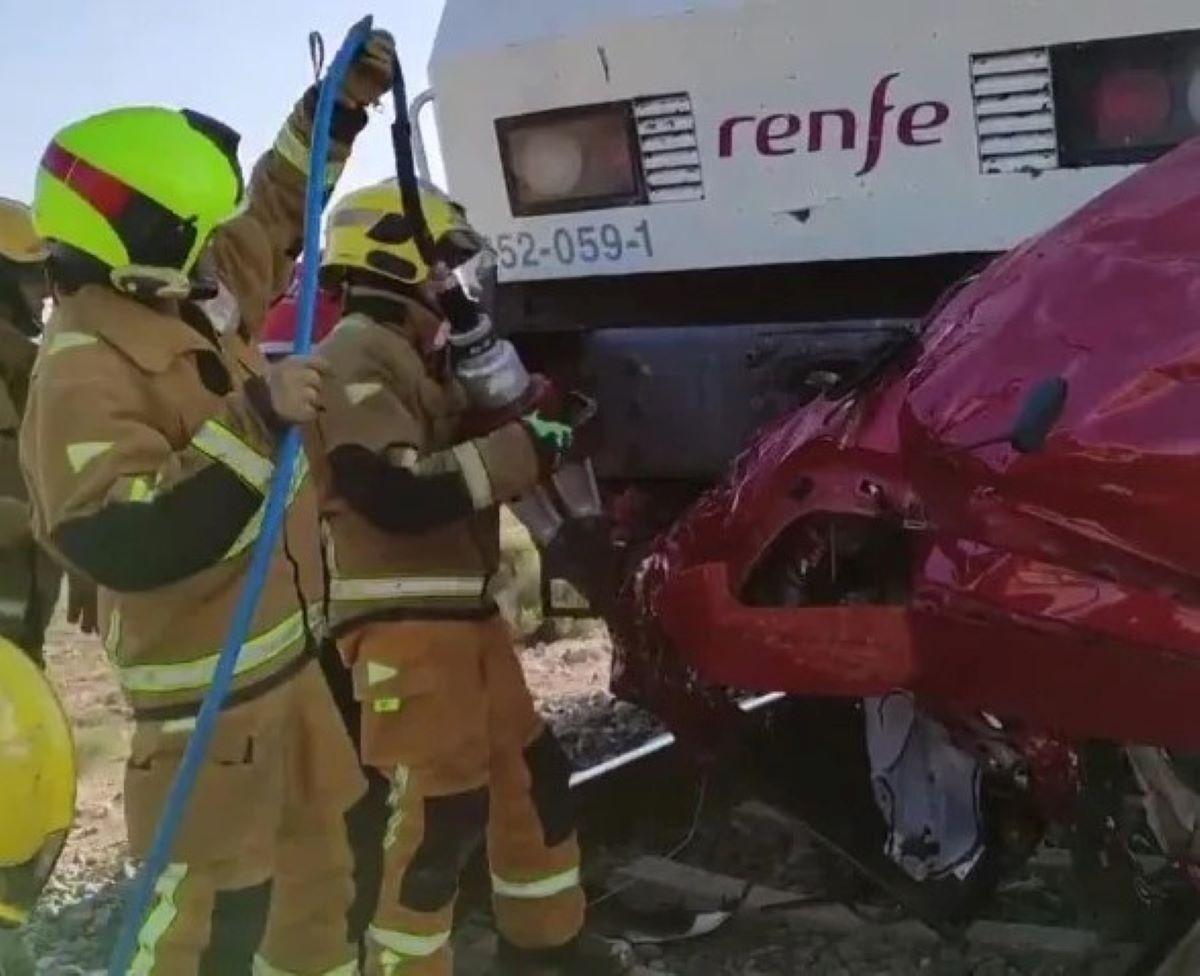 Incidente Treno Contro Auto Quattro Morti Alicante Spagna