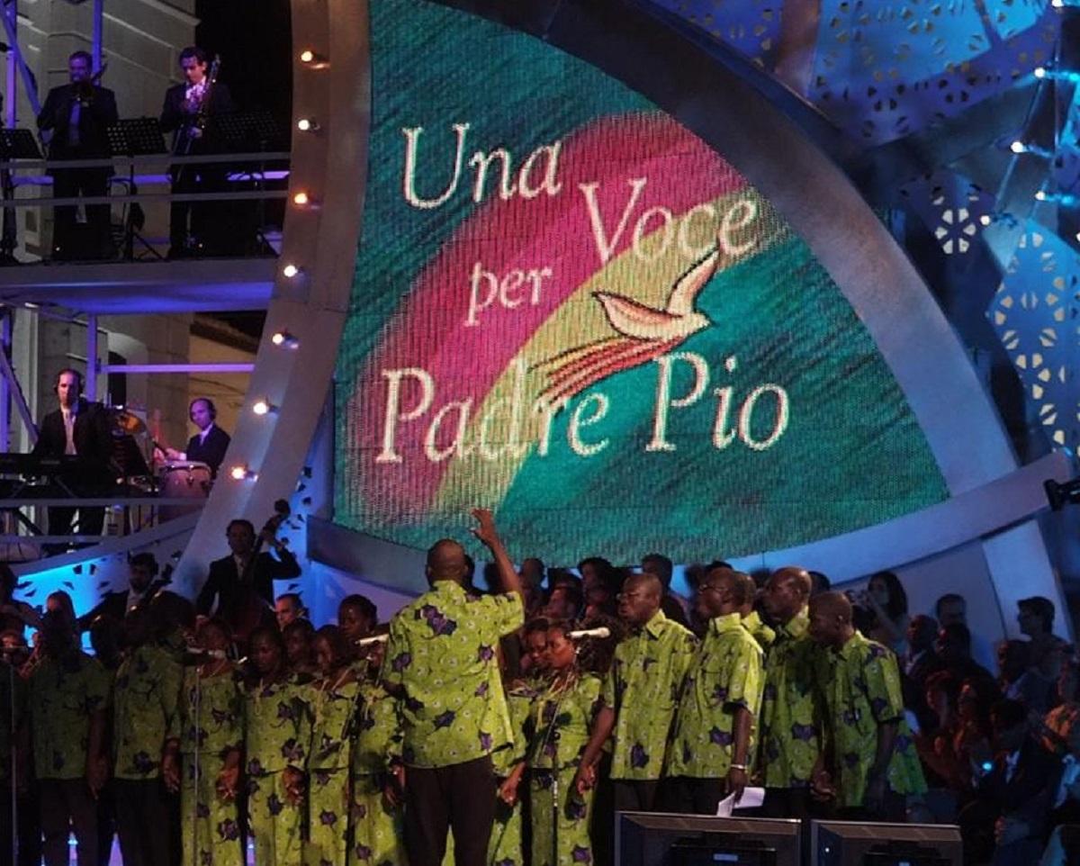Mara Venier Una voce per Padre Pio Giulia Stabile frase imbarazzo