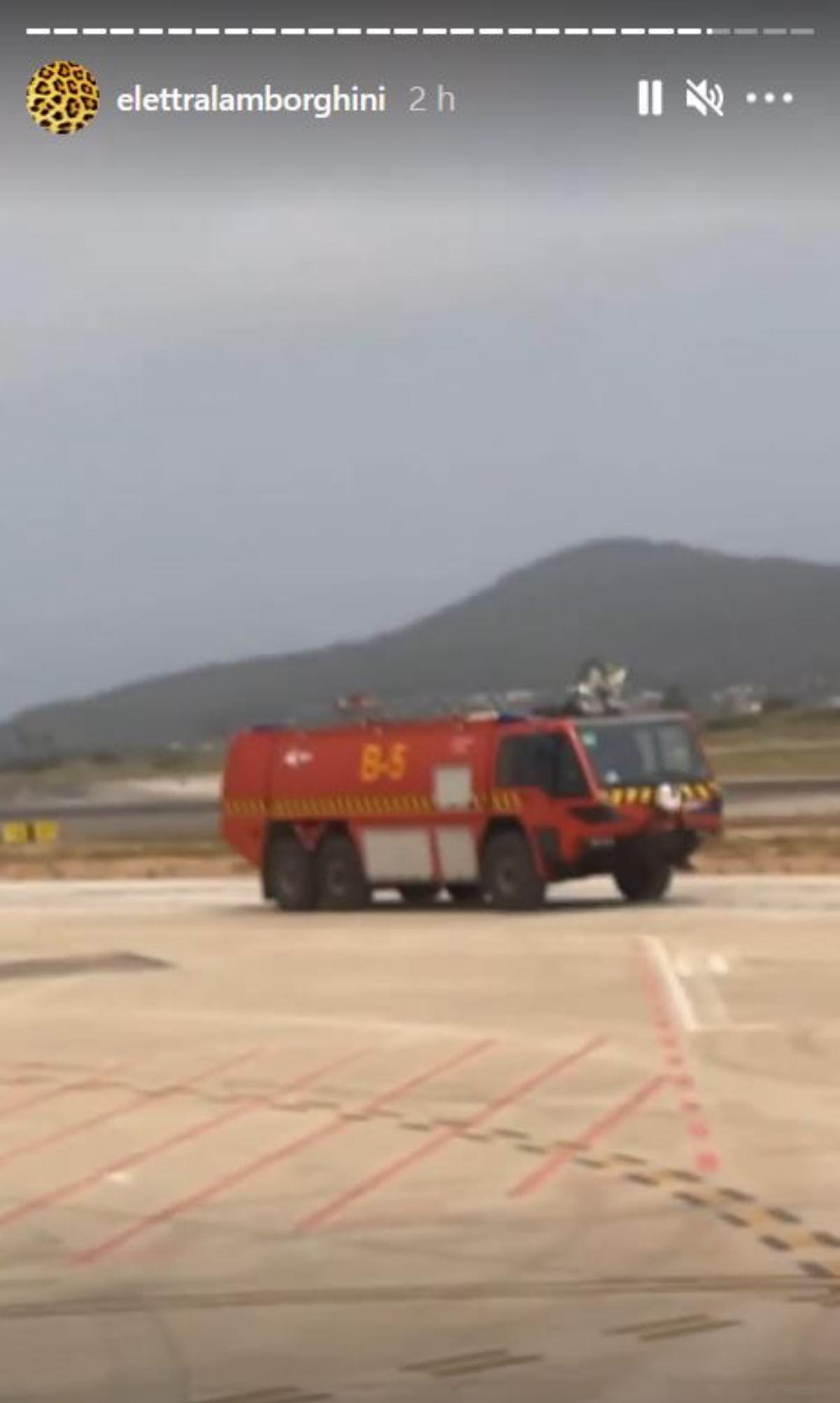 elettra lamborghini aereo gomma incendiata