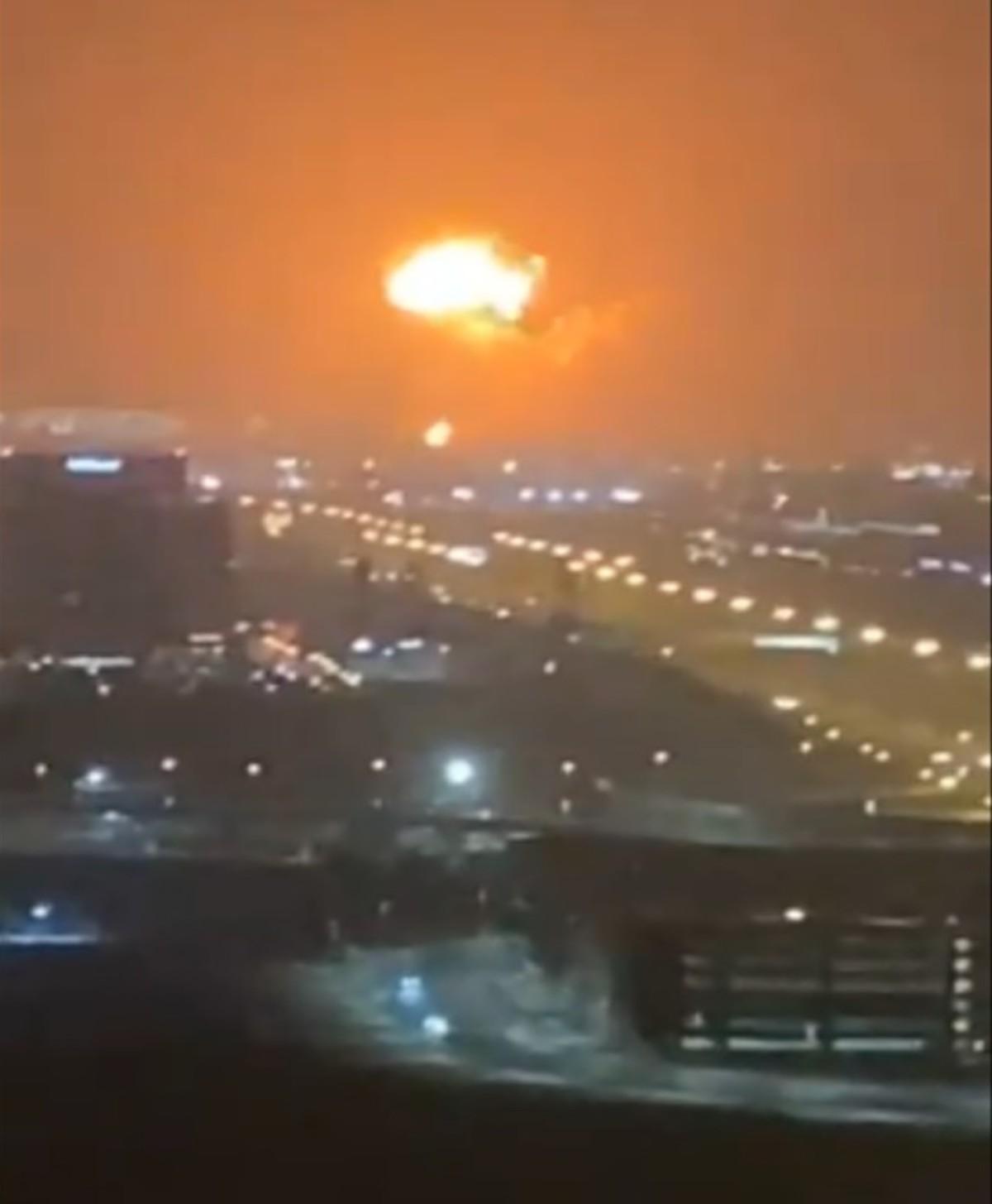 esplosione porto dubai.