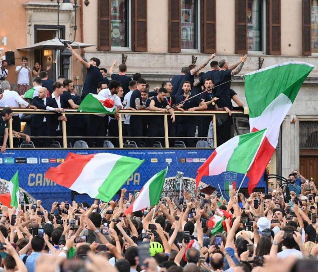 prefetto festa non autorizzata italia