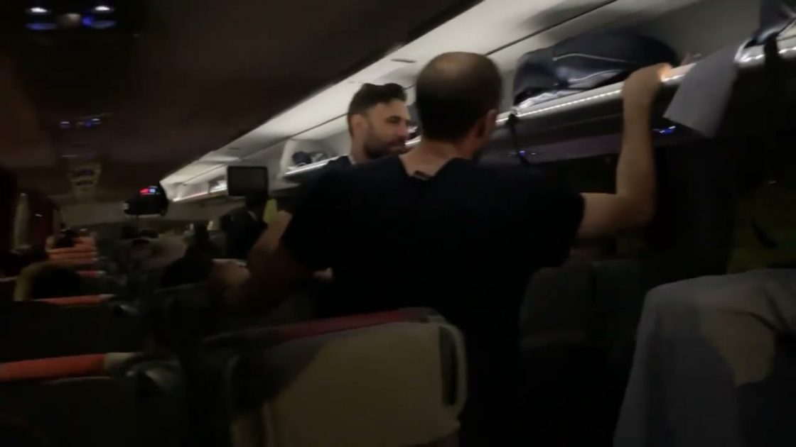 salvatore sirigu sorpresa video pullman finale euro 20