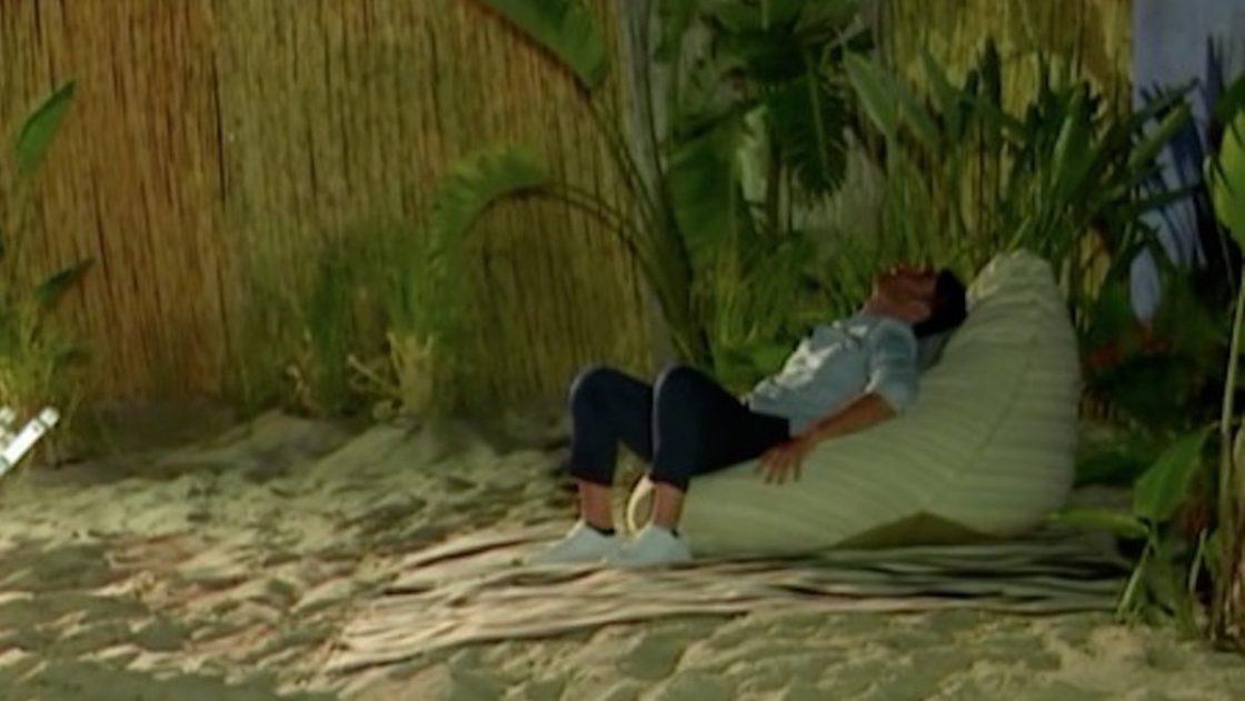 temptation island 2021 ste pugni cuscino
