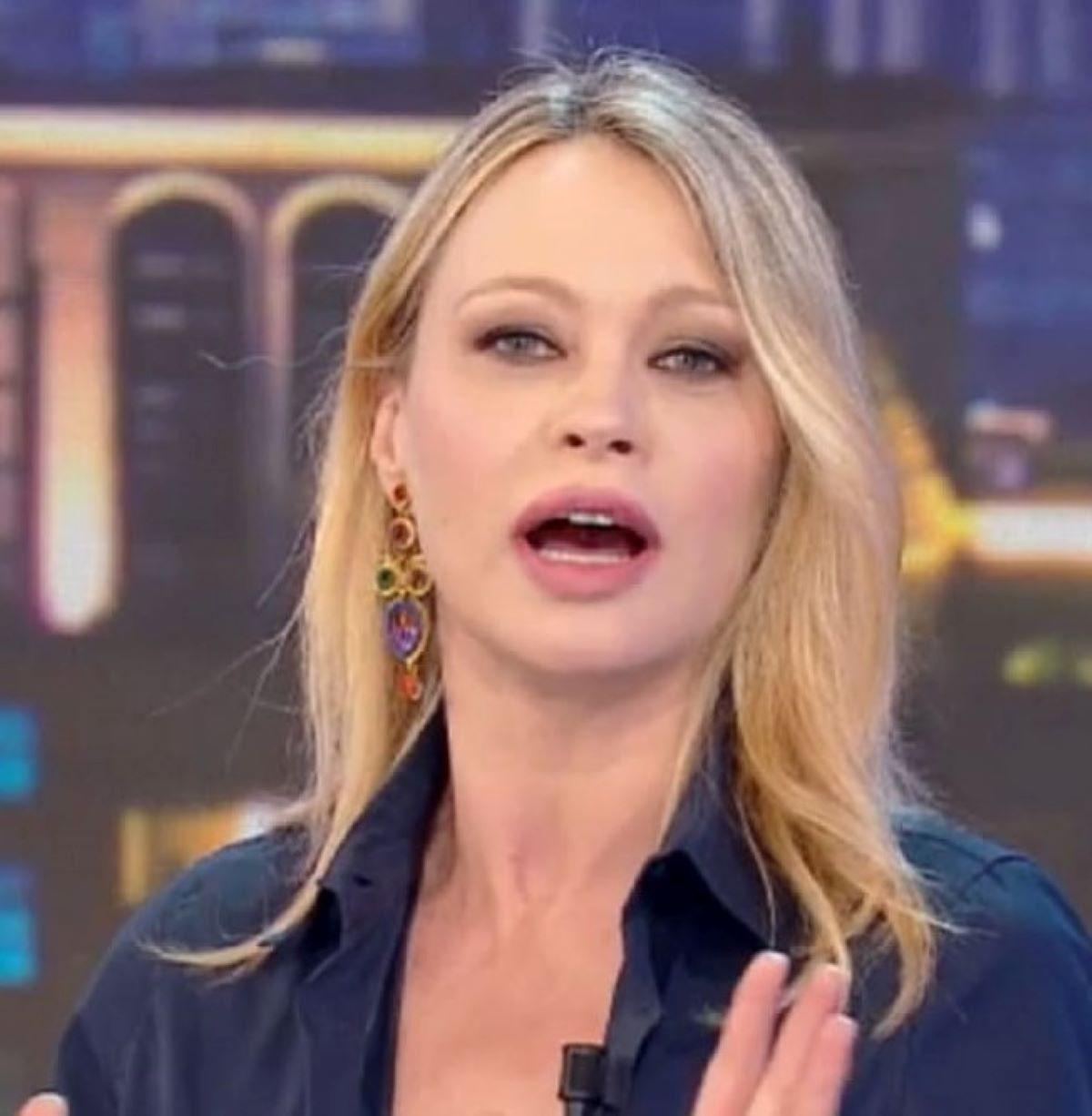 Anna Falchi Uno Weekend Imprevisto Diretta Fuori Onda