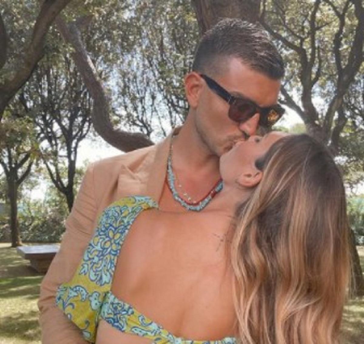 Beatrice Valli positiva famiglia covid situazione