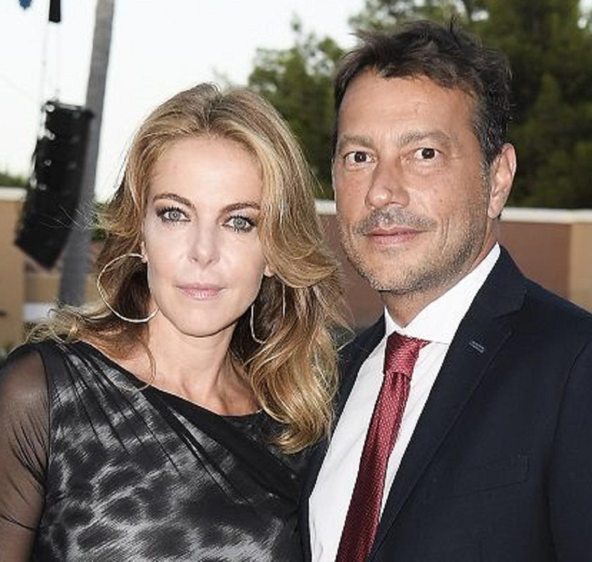 Claudia Gerini rottura fidanzato Simon tradimento