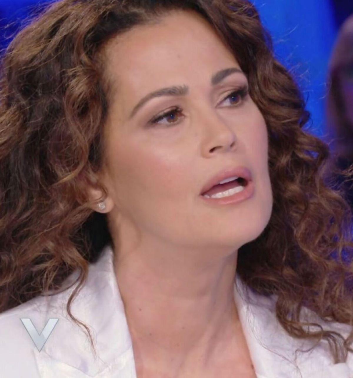 Samantha De Grenet Furia Incendi Italia
