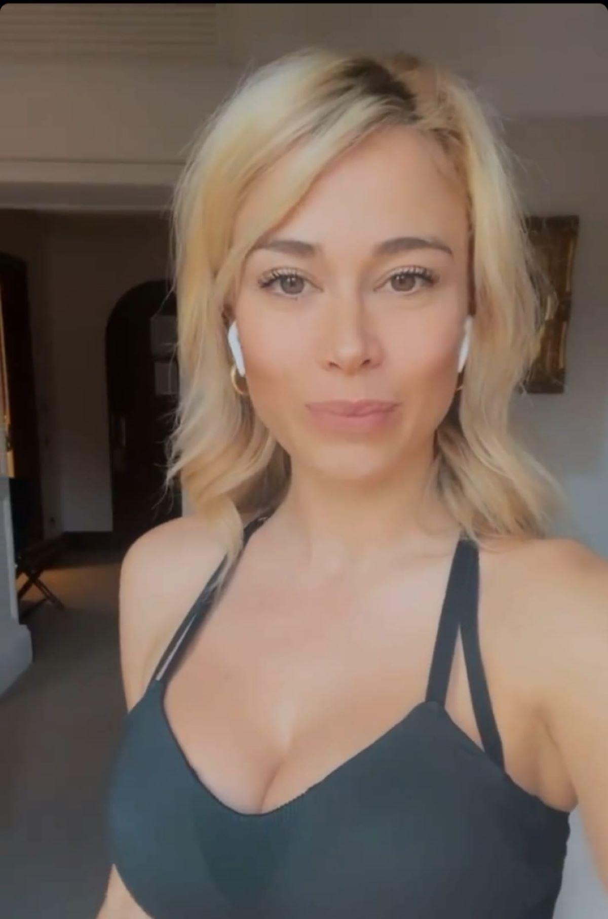 Diletta Leotta Compleanno 30 anni Polemiche Foto Donne Lampadario