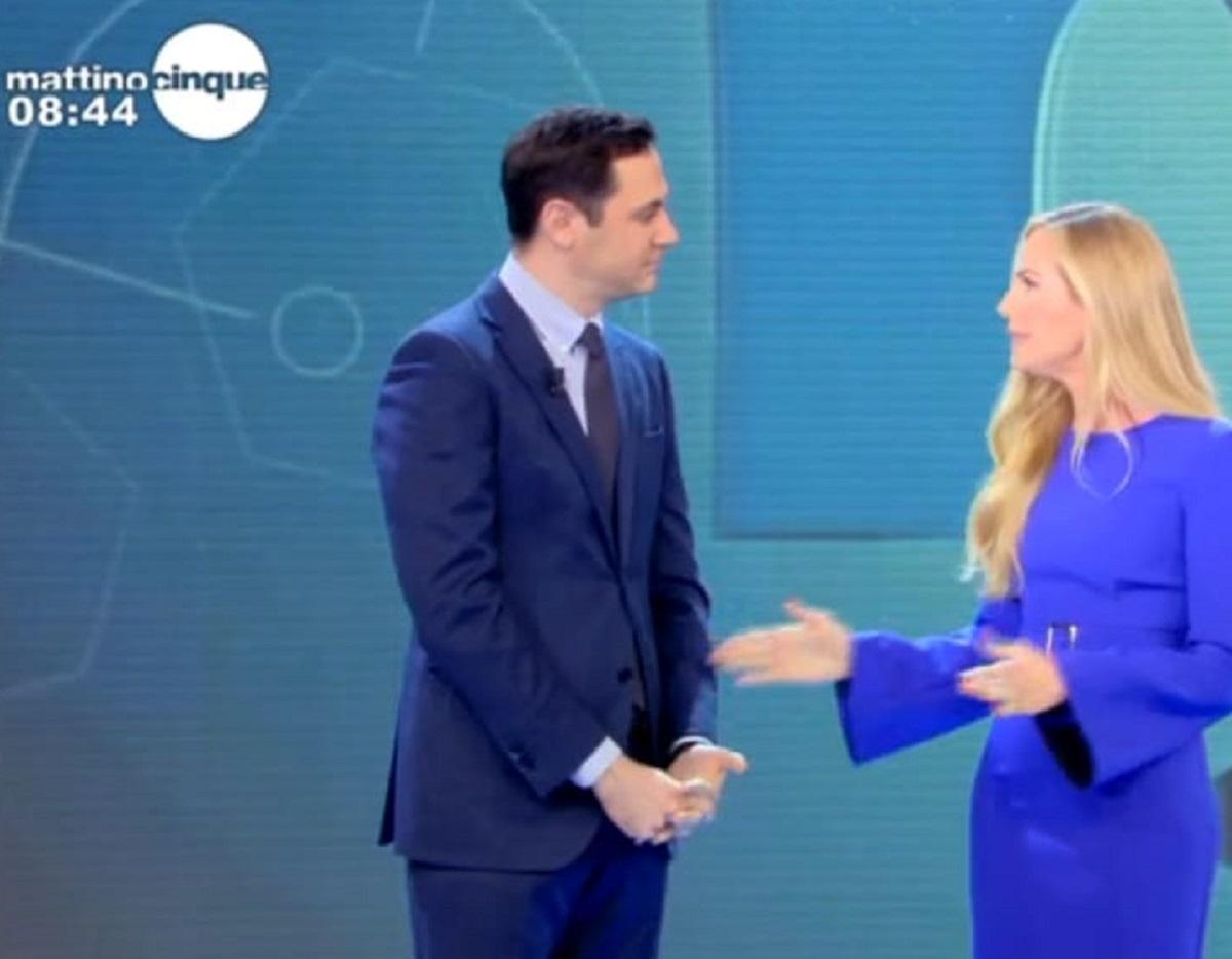 Federica Panicucci Mattino Cinque slittamento notizia