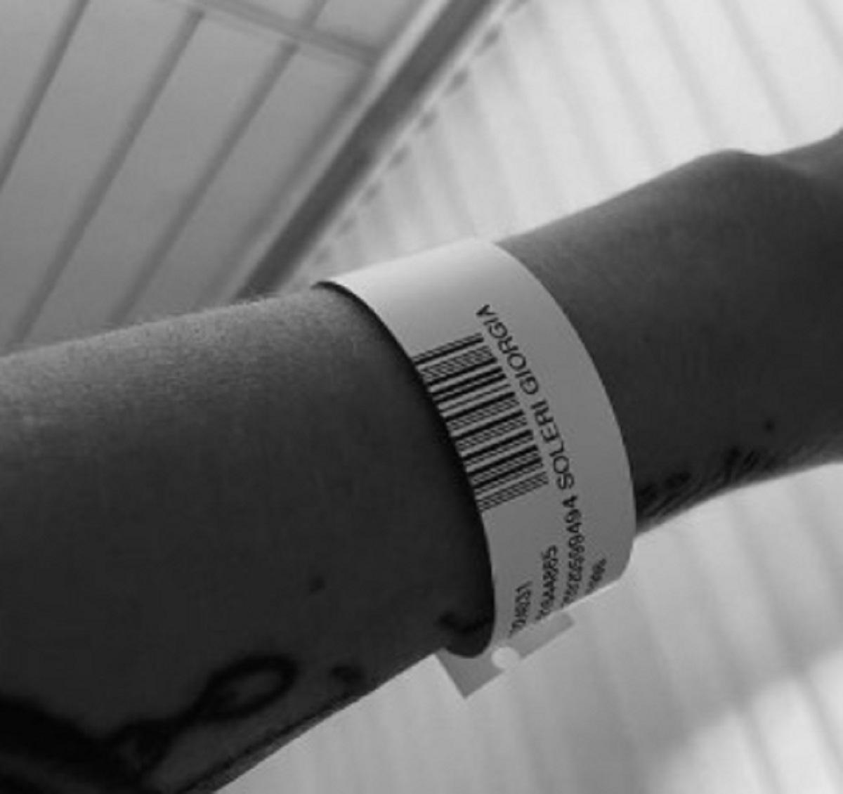 Giorgia Soleri operazione foto braccialetto