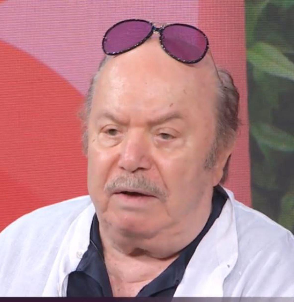 Lino Banfi Censura Spot TimVision Vogarità Porca Puttena