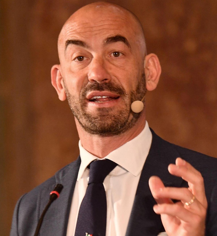 Matteo Bassetti Inseguito Minacciato No Vax