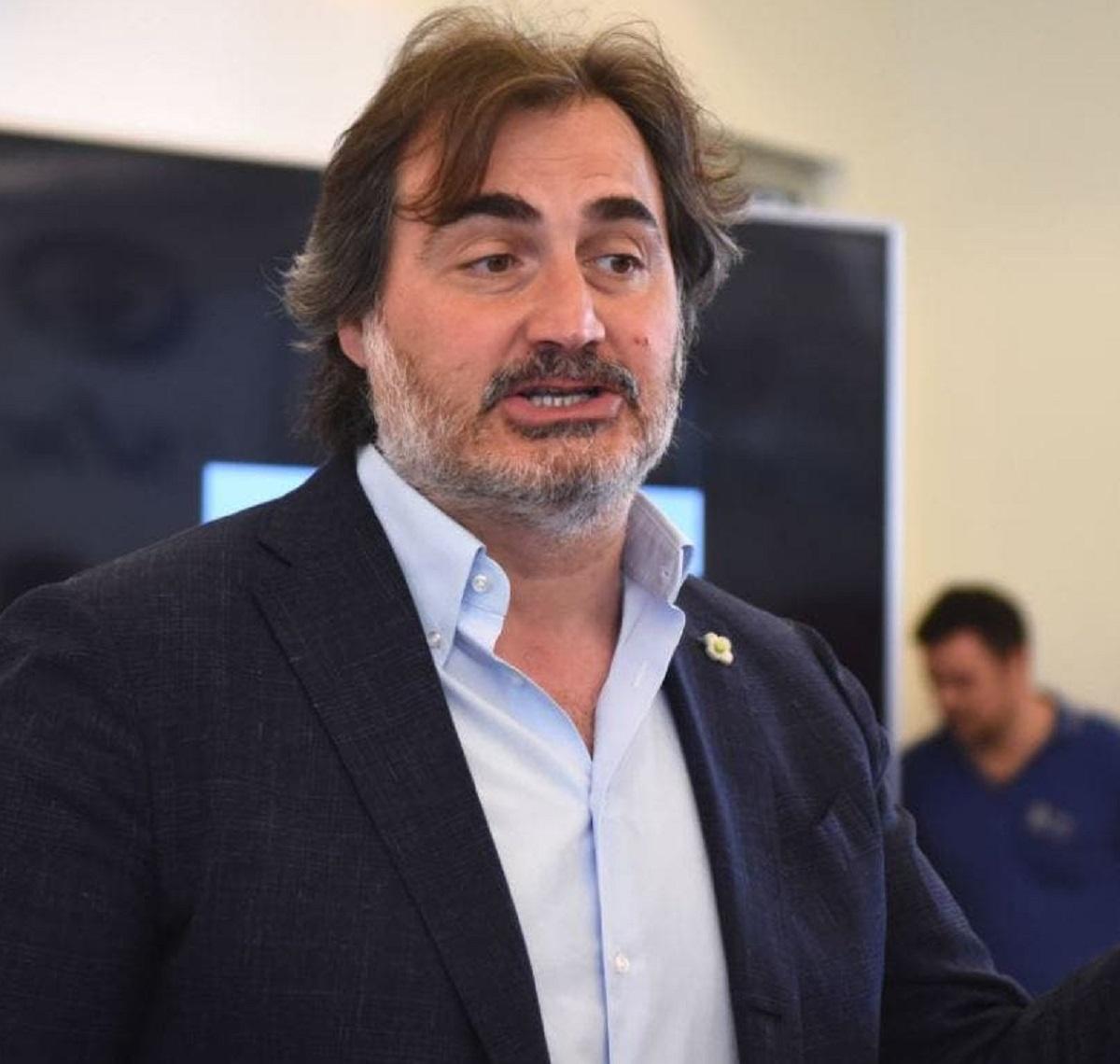 Pierluigi Pardo addio Mediaset contratto commento