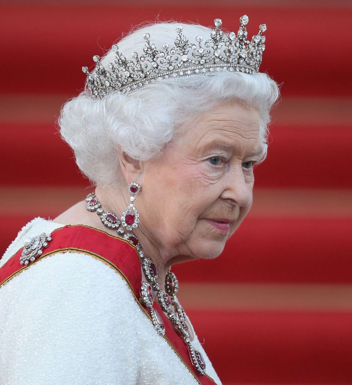 Regina Elisabetta Membro Staff Positivo Coronavirus Castello di Balmoral