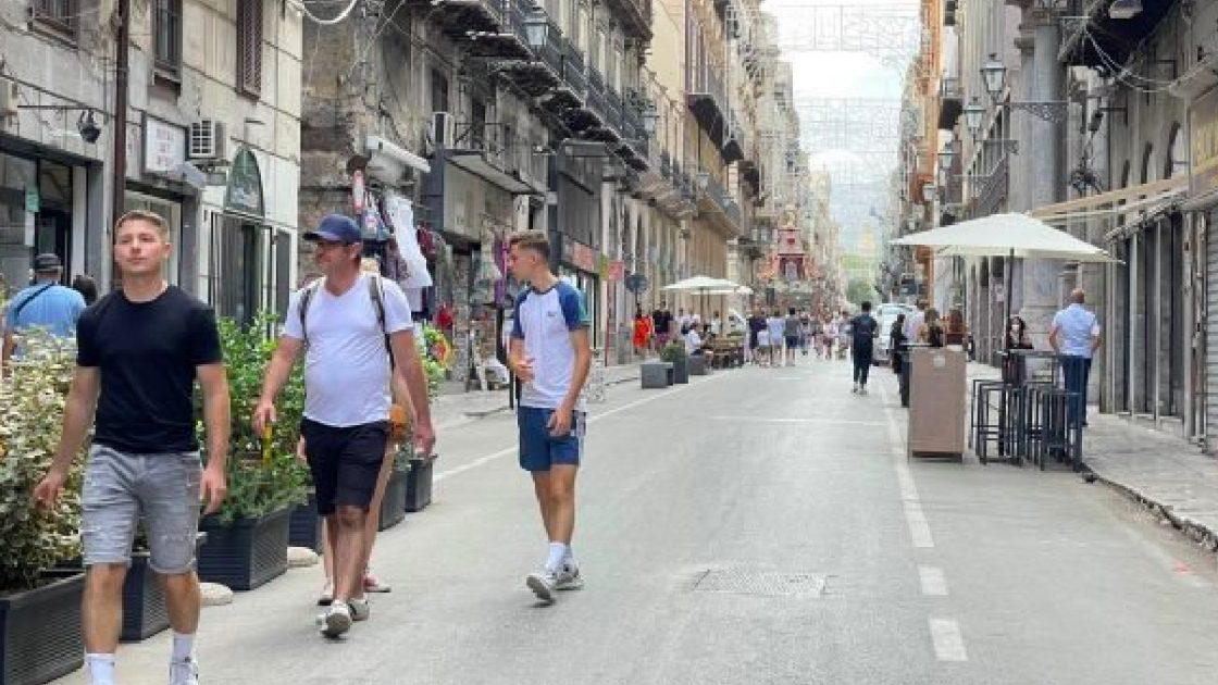 Covid, Sicilia rischia la zona arancione: crescono contagi e ricoveri