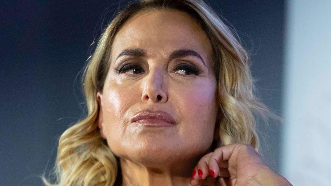 """Barbara D'Urso, Aida Nizar la attacca: """"Bugiarda e falsa, avevamo un contratto"""""""