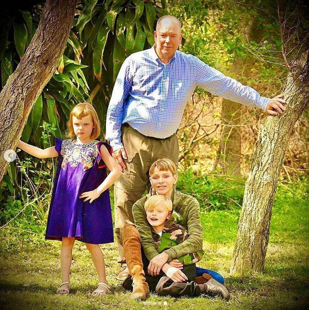 alberto di monaco charlene foto famiglia