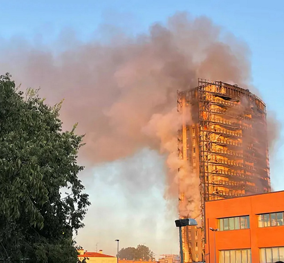 incendio palazzo milano