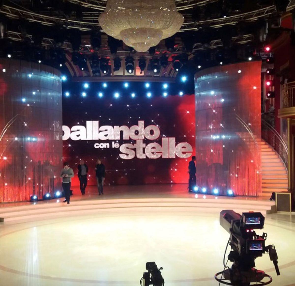 Ballando con le stelle Milly Carlucci No Paola Barale Motivi Economici