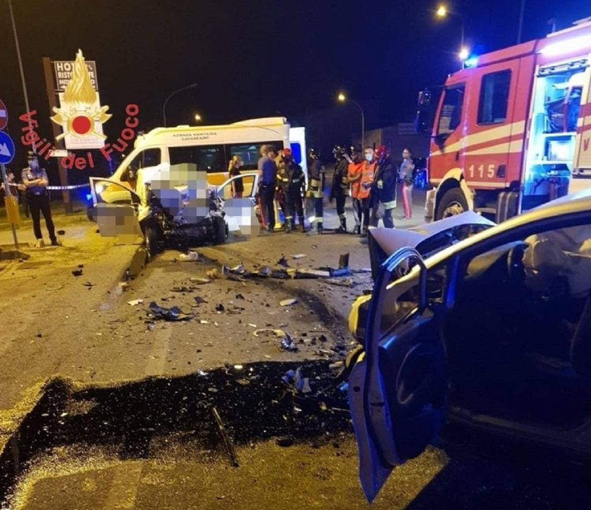 Catanzaro incidente scontro frontale Massimiliano Ceccarelli Antonio Costantino vigilanti