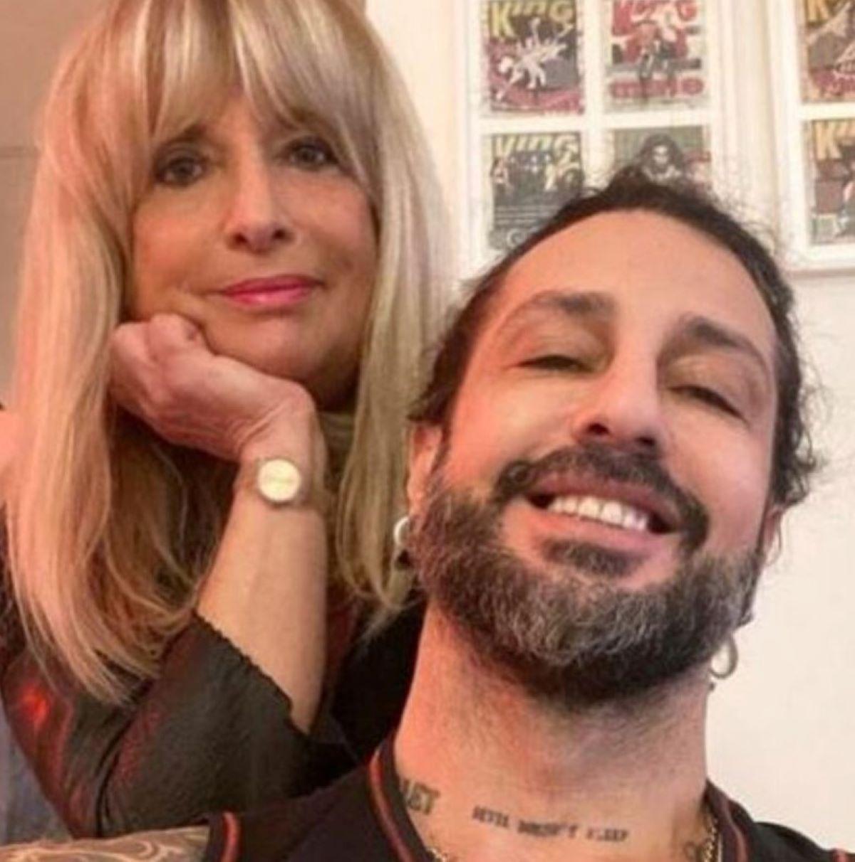 Fabrizio Corona Querela Gestore Locale Firenze Reato Truffa