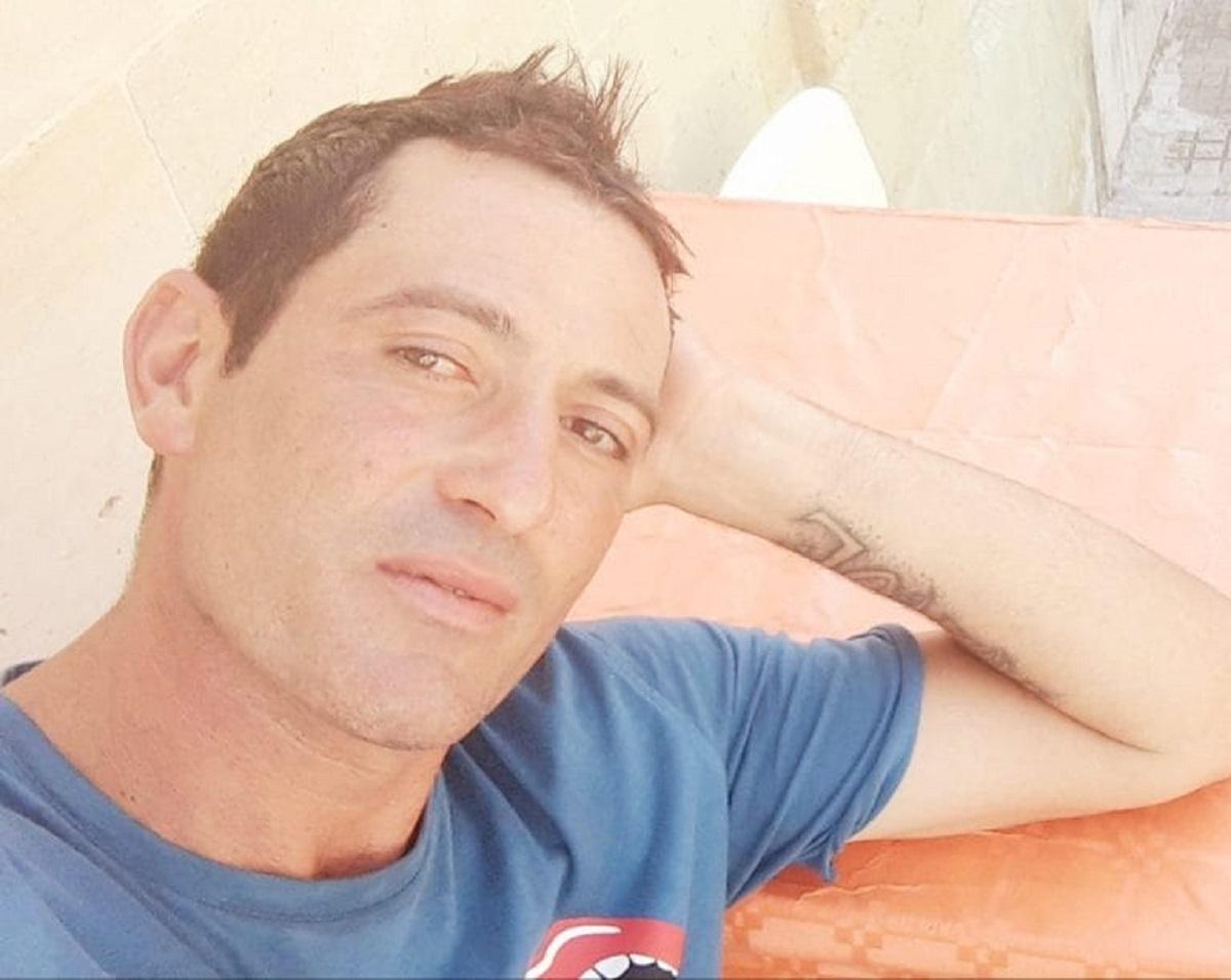 """""""Non si può morire così"""". Fabio, la tragedia sul lavoro a 39 anni. La rabbia di tutti: """"Inaccettabile"""""""