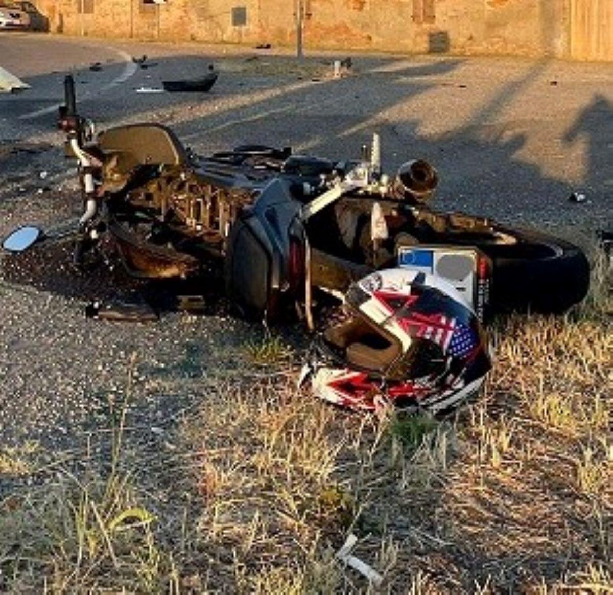 Alessio Saponaro Morto 18 Anni Incidente Moto Pontenure