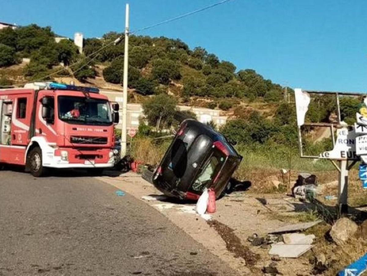 Lanusei incidente letale morta conducente 26 anni