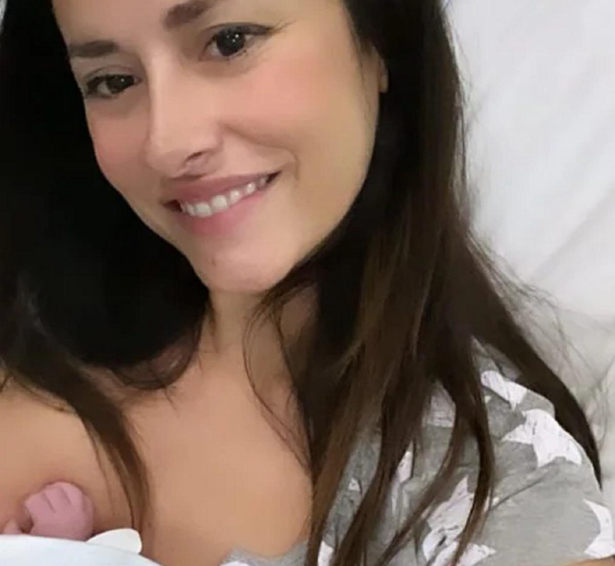 Michela Coppa fiocco rosa parto annuncio nascita Fara