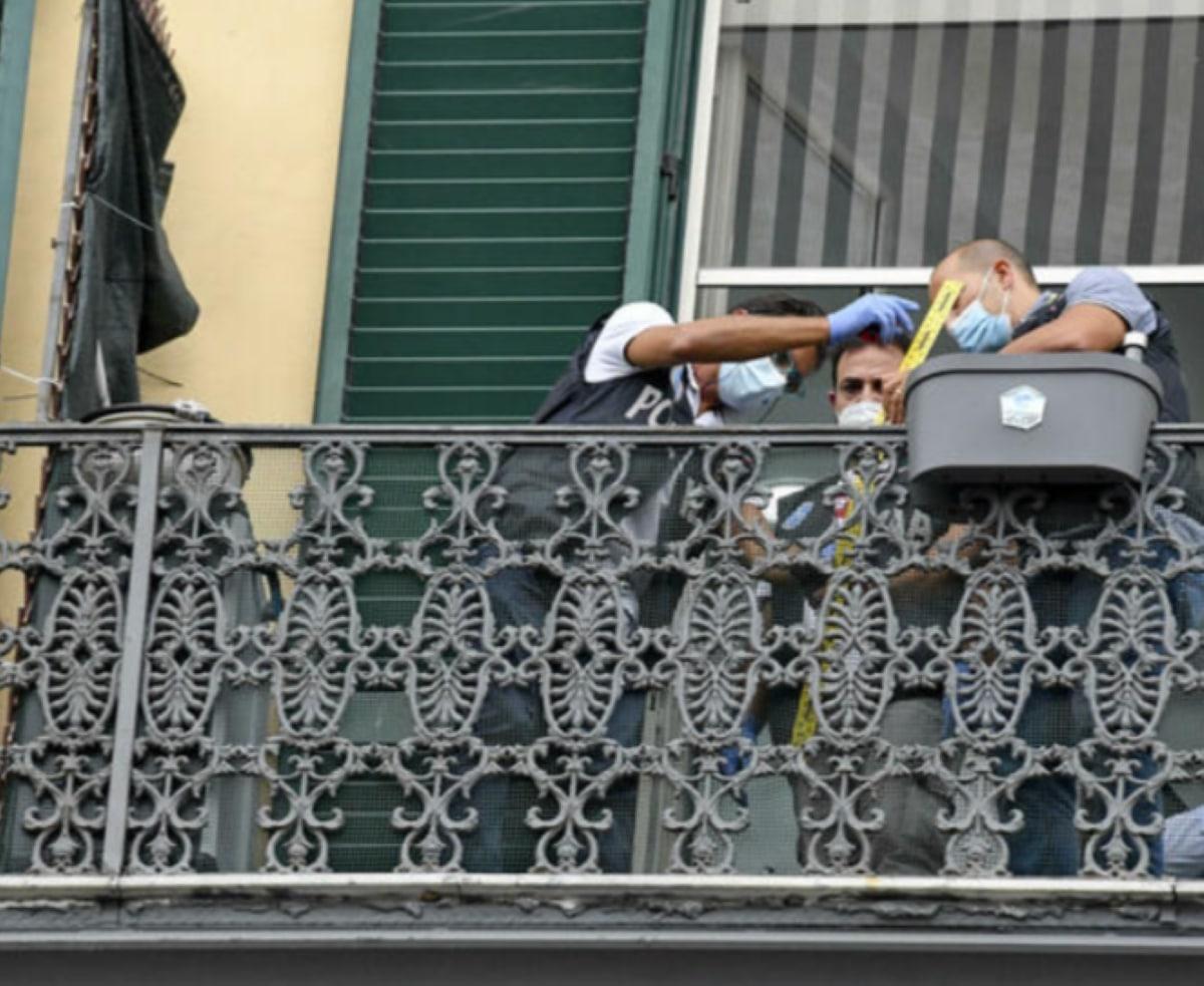 Napoli Bambino 4 Anni Cade Terzo Piano Muore