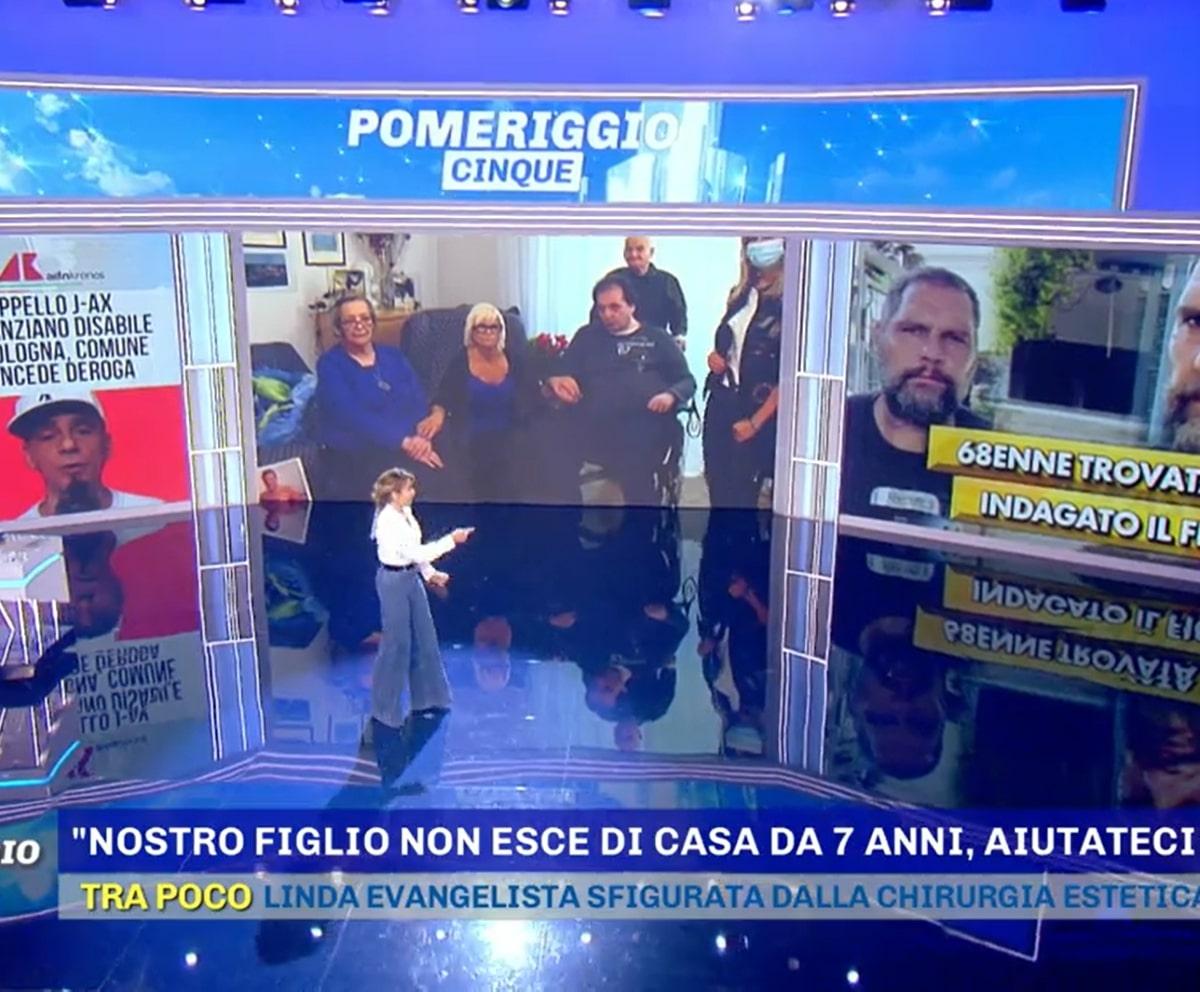 Barbara D'Urso Pomeriggio Cinque Lacrime Ospite Disabile Milano