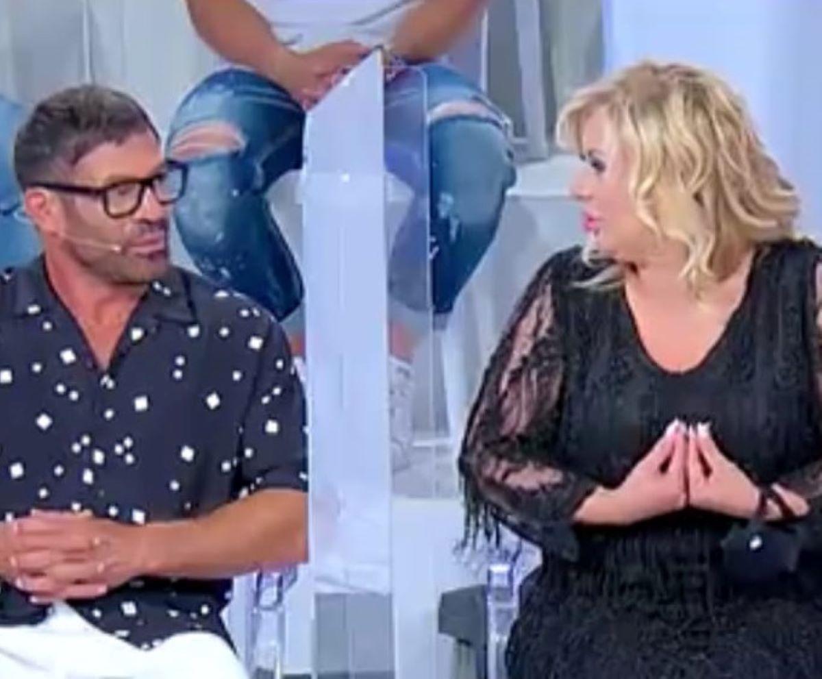 Uomini e Donne Lite Tina Cipollari Gianni Sperti