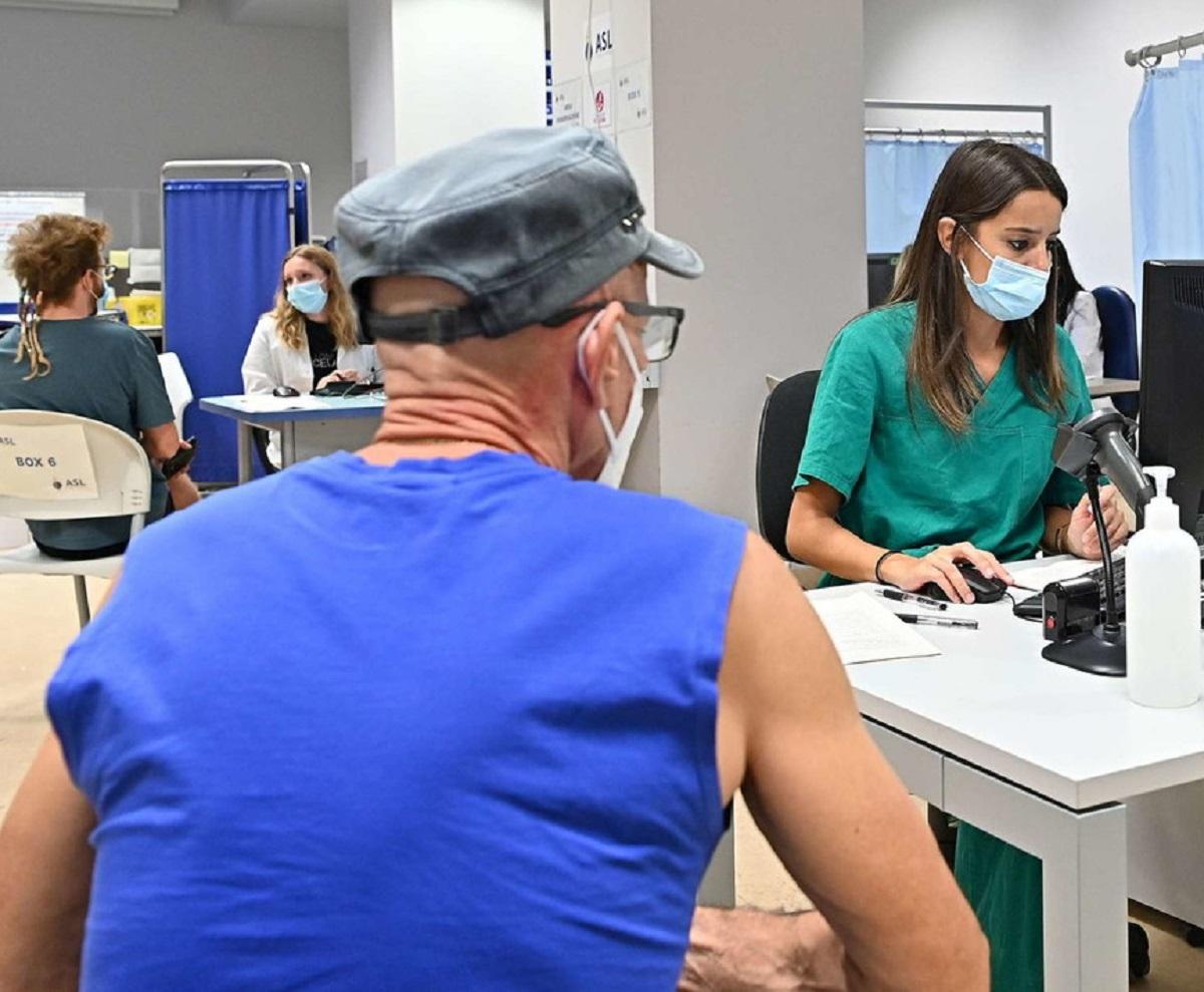 Covid terza dose vaccino Walter Ricciardi previsione