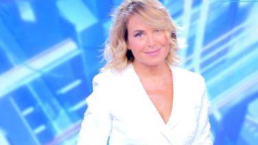 Barbara D'Urso nuovo look pomeriggio 5