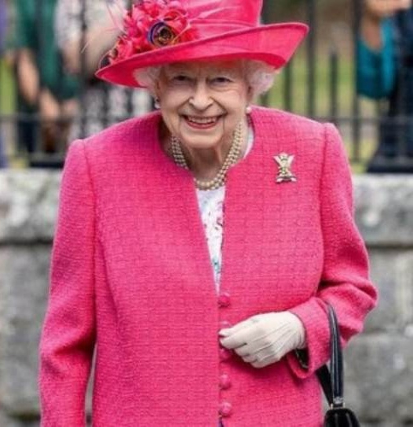 regina elisabetta morta london bridge down