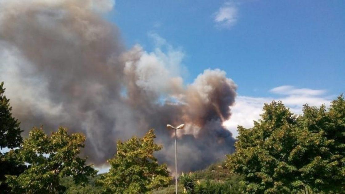 inendio savona famiglie evacuate