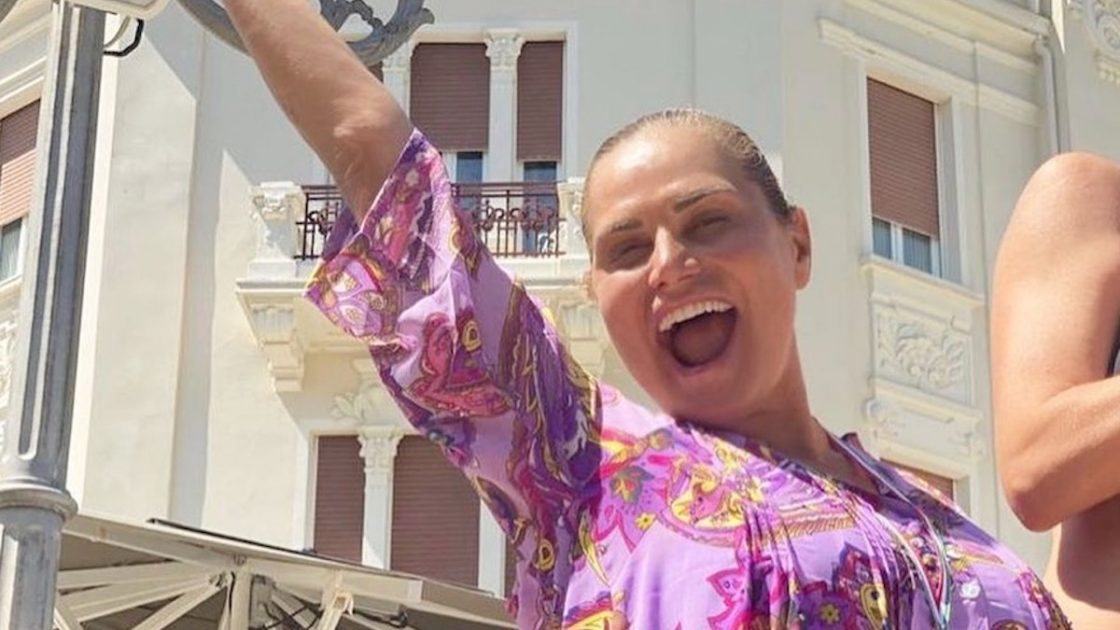 Simona Ventura look capelli