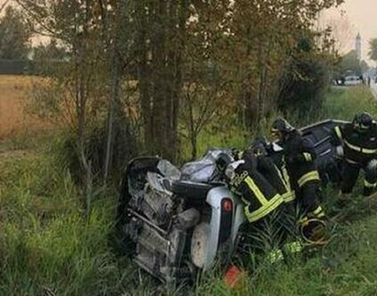 Catania soldatesse morte incidente auto ribaltata
