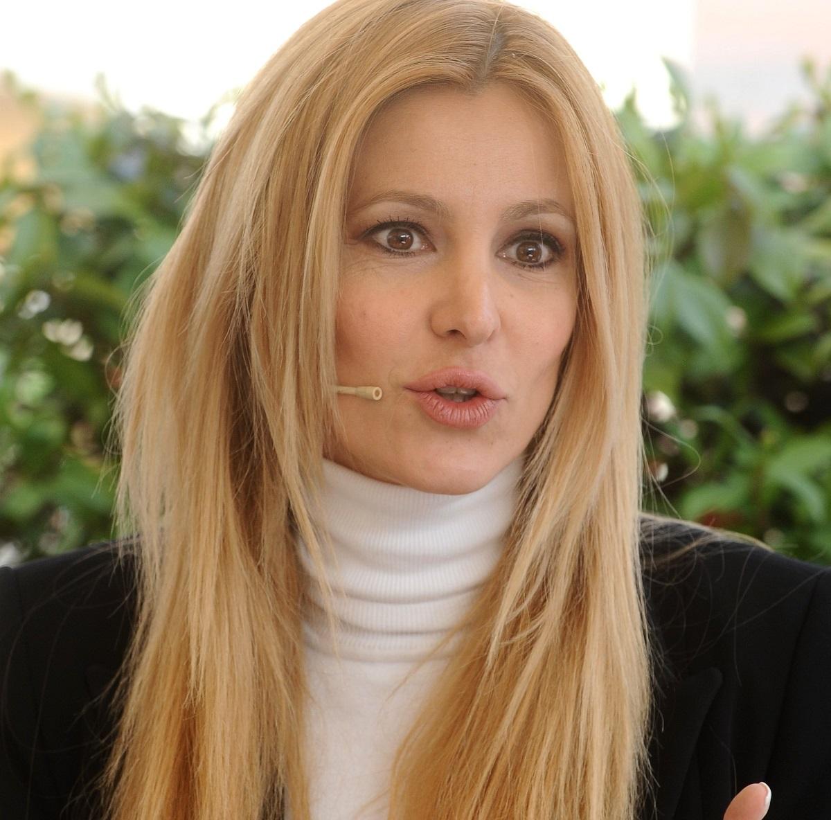 Adriana Volpe GF Vip 6 retroscena messaggi privati Sonia Bruganelli