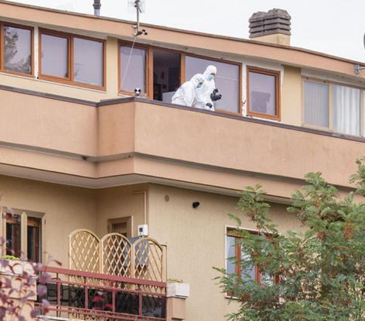 Dora Lagreca morte nuova ipotesi balcone aggrappata