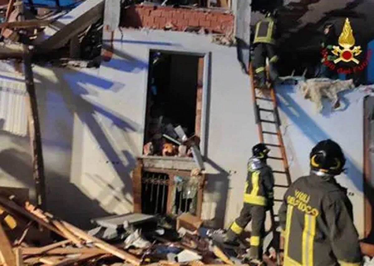 Cuneo esplosione palazzina anziano fuga gas
